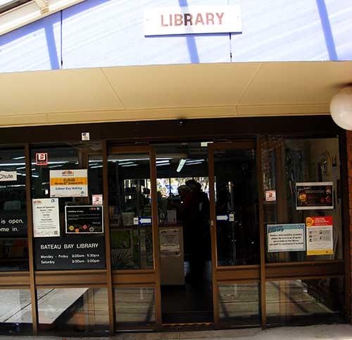 bateau bay library
